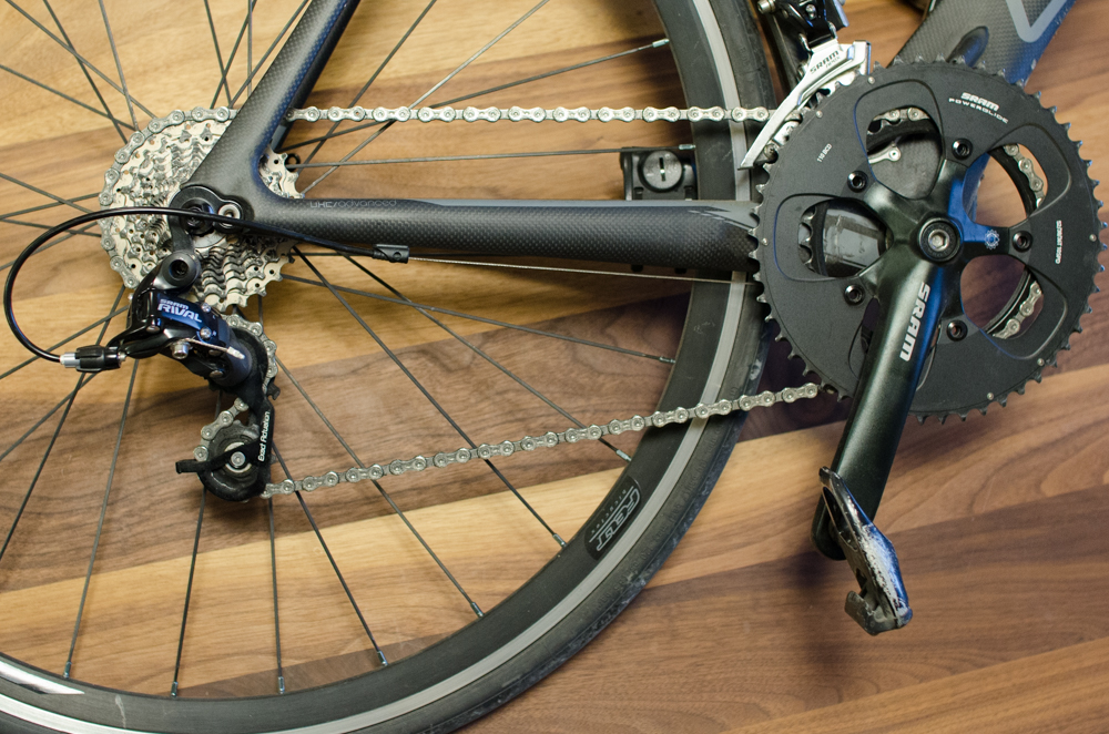 Figure 2. Side view of 20 speed drivetrain's crankset, cassette, and chain